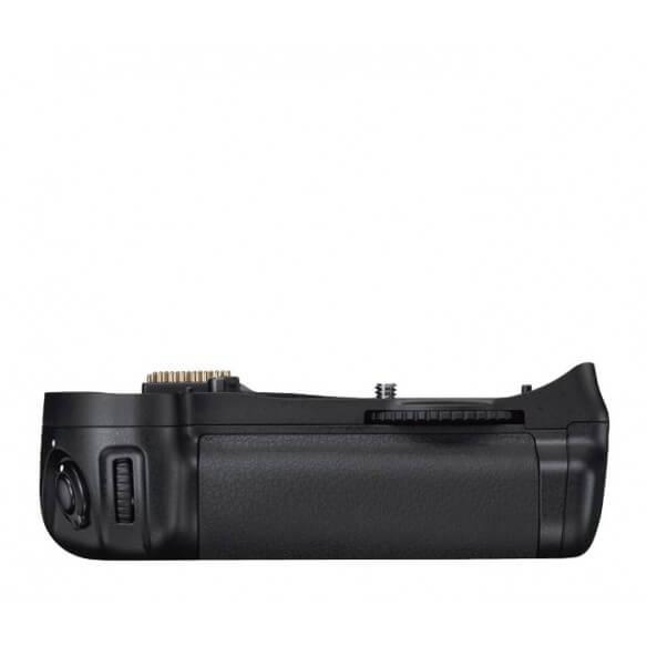 nikon-mb-d10-multi-power-battery-pack-1.jpg
